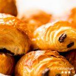 Schoko Croissant gibt's in der Schulcafeteria Cafeterium in Bremen.
