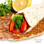 Türkische Pizza mit extra Hähnchenfleisch und Gouda Käse gibt's in der Schulcafeteria Cafeterium in Bremen.